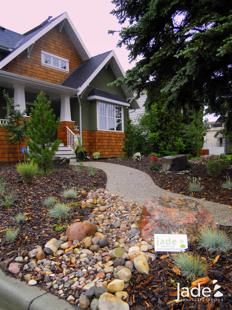 30 Incredible Front Yard Landscaping Ideas - Gardenholic