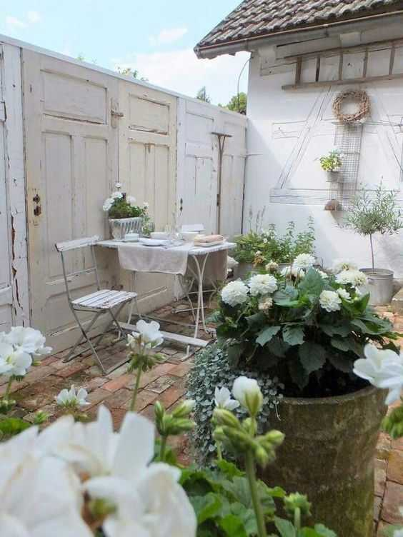 Check out these amazing small backyard and garden design ideas.