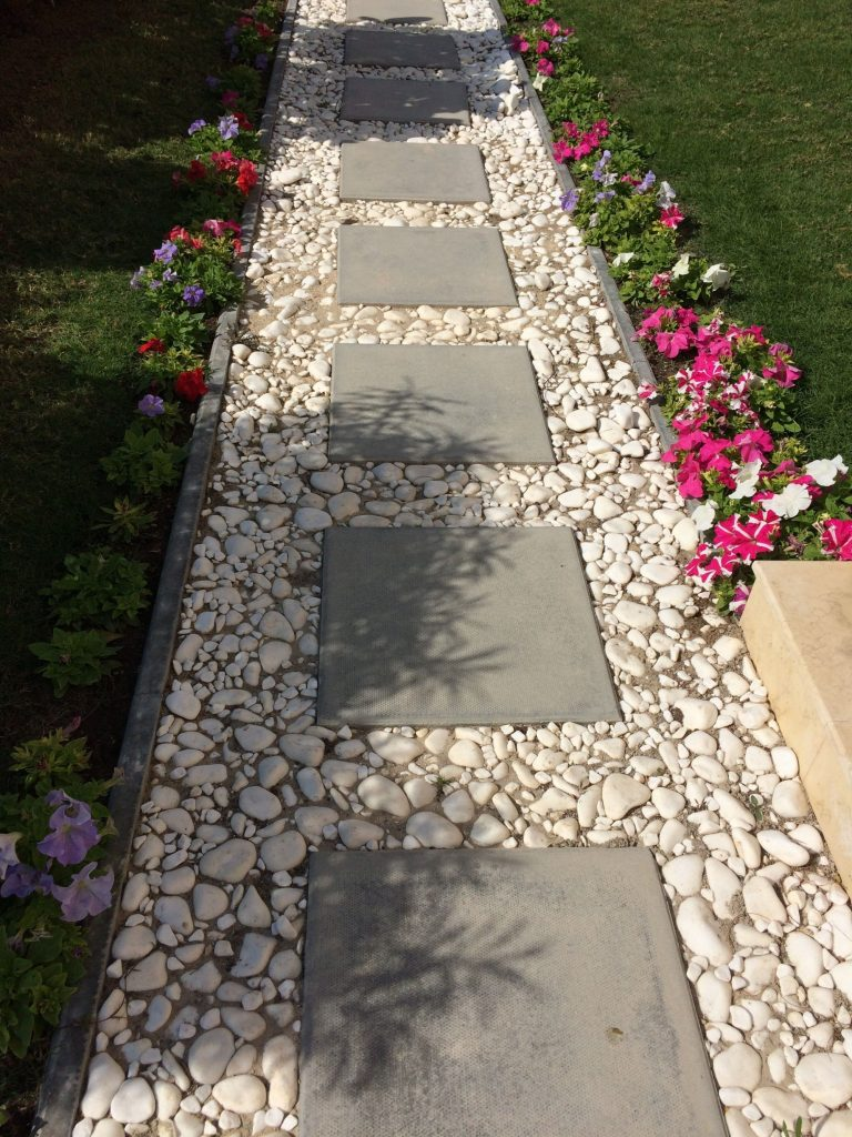 40 Simply Amazing Walkway Ideas For Your Yard Gardenholic