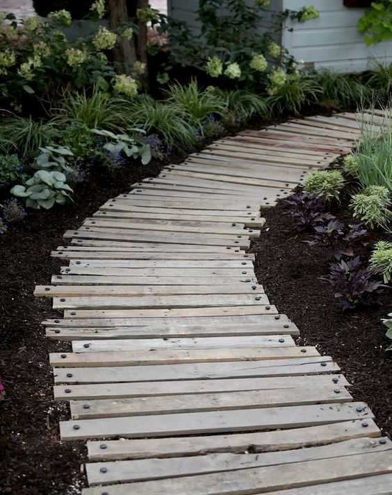 40 Simply Amazing Walkway Ideas For Your Yard