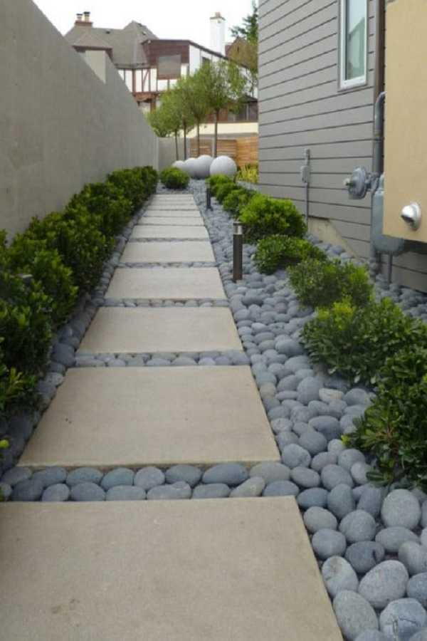Landscape Design Front Of House Layout